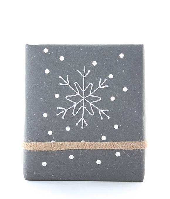 10xeenvoudigekerstversiering-kerstcadeautjes
