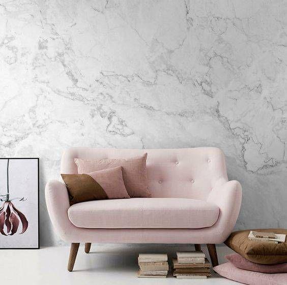klein roze bankje