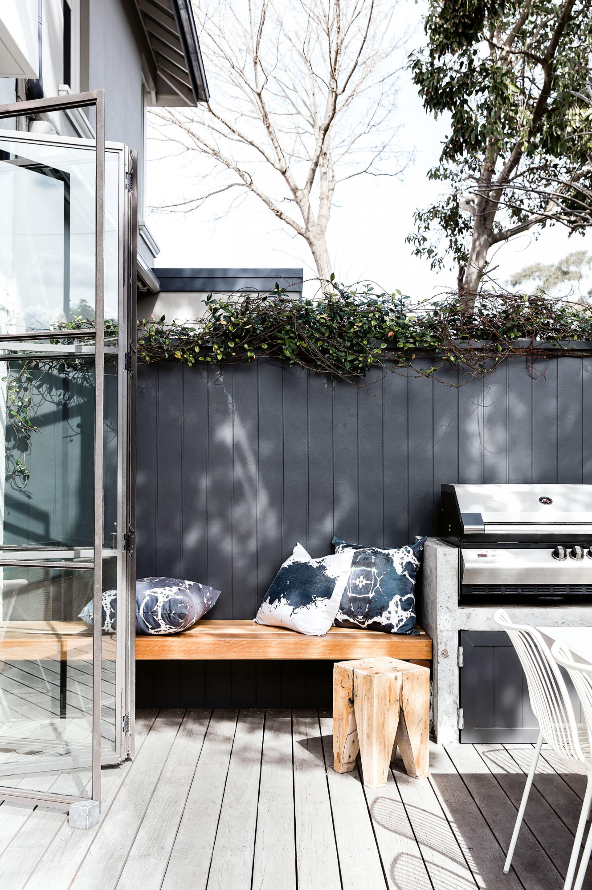 australisch-familie-interieur-bbq