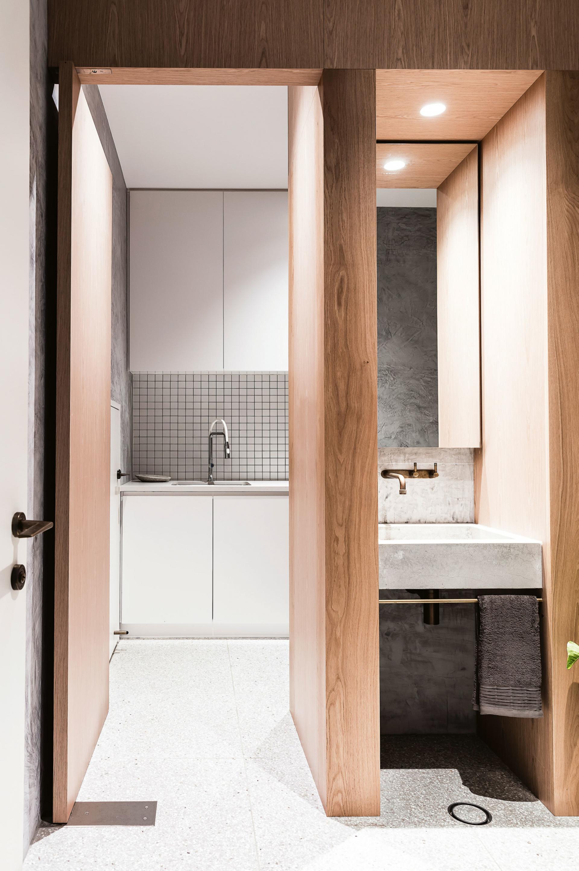 australisch-familie-interieur-toilet