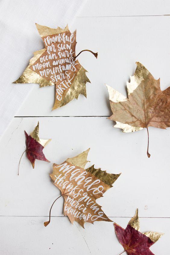 goud-dip-kerstmis-bladeren