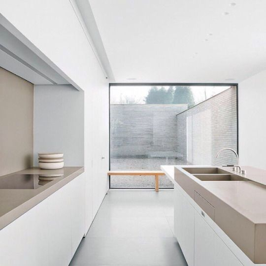 Taupe kleur in het interieur thestylebox - Grijze ruimte en taupe ...