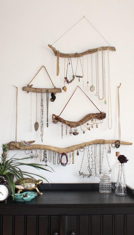 wanddecoratie-van-hout-sieraden