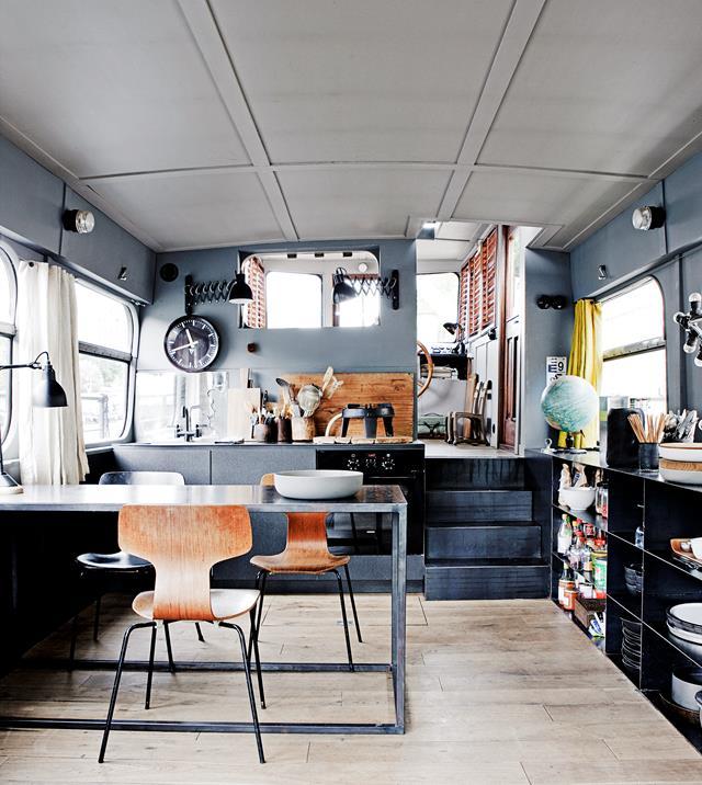 woonboot interieur keuken
