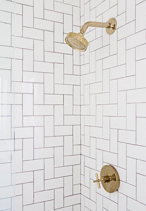 badkamer gouden details kraan