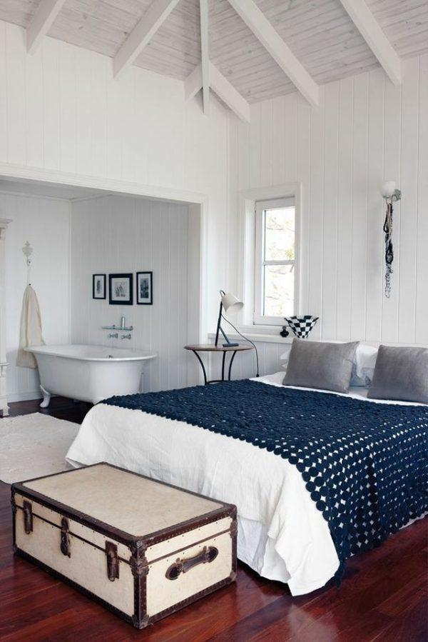 Badkamer en slaapkamer in n ruimte thestylebox - Badkamer blauw ...