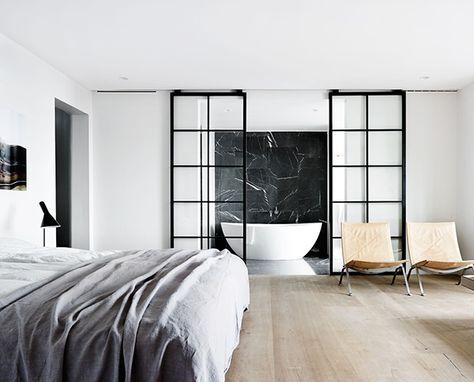 Badkamer en slaapkamer in n ruimte thestylebox - Deco master suite met badkamer ...