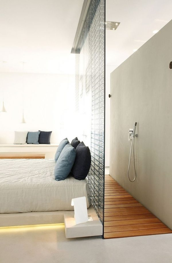 Badkamer en slaapkamer in n ruimte thestylebox - Slaapkamer met badkamer en dressing ...
