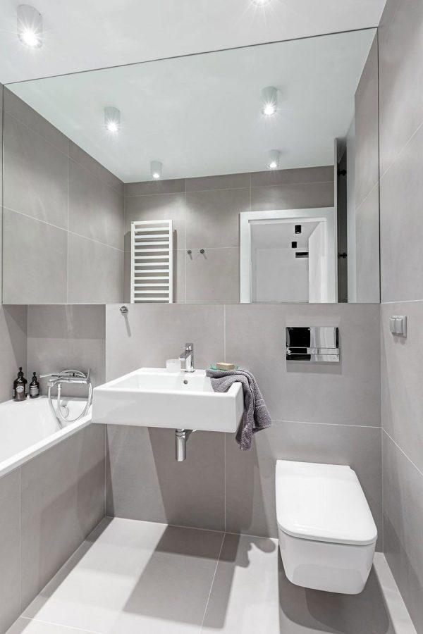 badkamers voorbeelden grote tegel