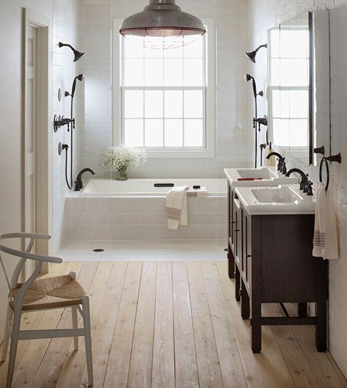 badkamers voorbeelden houten vloer