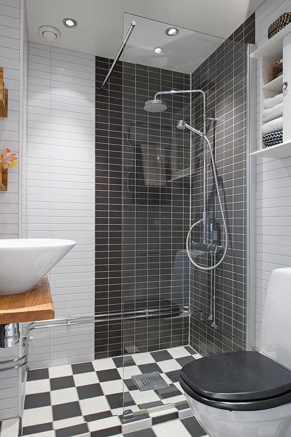 badkamers voorbeelden zwarte tegel
