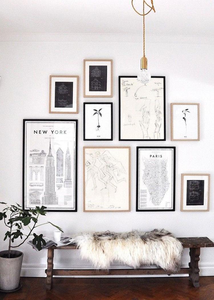 Decoratief bankje stylen collage lijsten muur