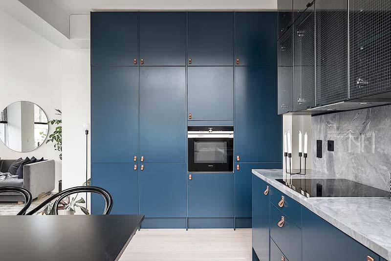 blauwe keuken granieten werkblad