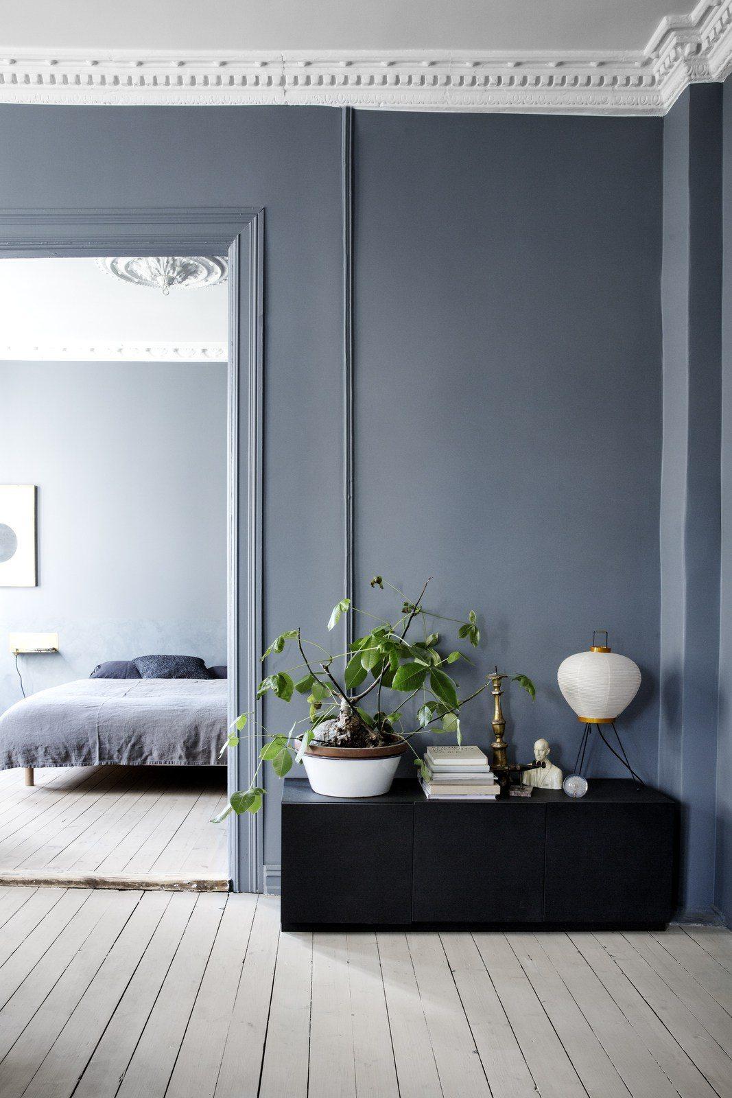 Denim drift blauwe muur