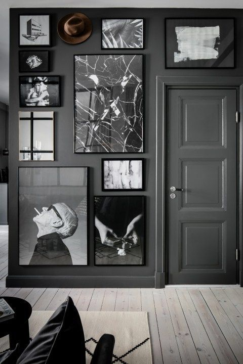 Collage met lijsten maken aan de muur