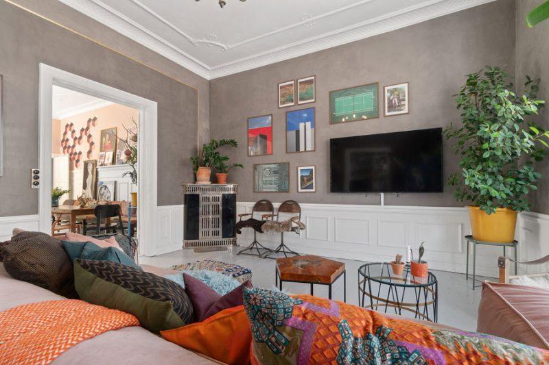 De geweldige eclectische woonkamer van Sofie en Joakim