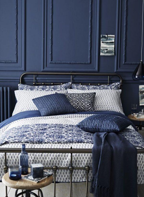donkerbldonkerblauwe slaapkamerauwe slaapkamer