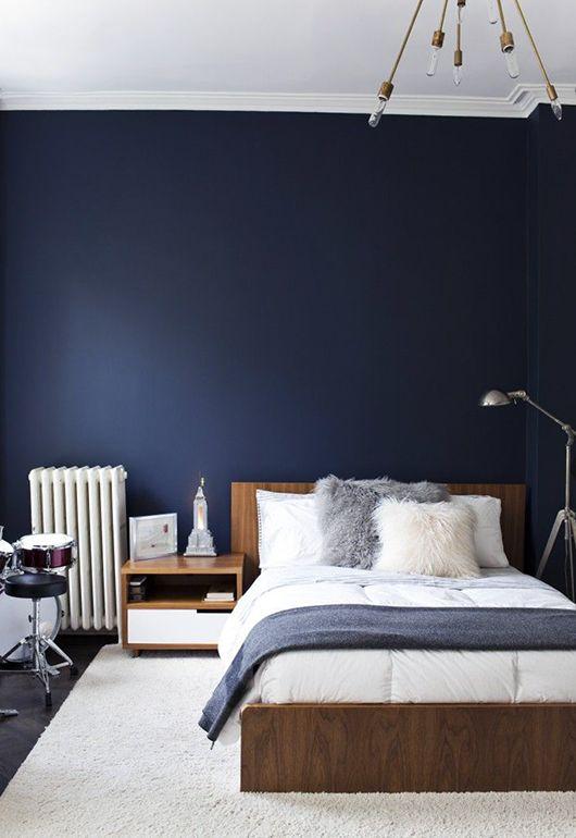 donkerblauwe slaapkamer