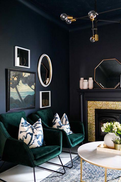 eclectisch interieur fluwelen stoel