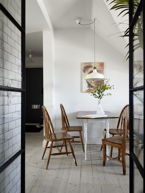 eetkamer houten stoelen