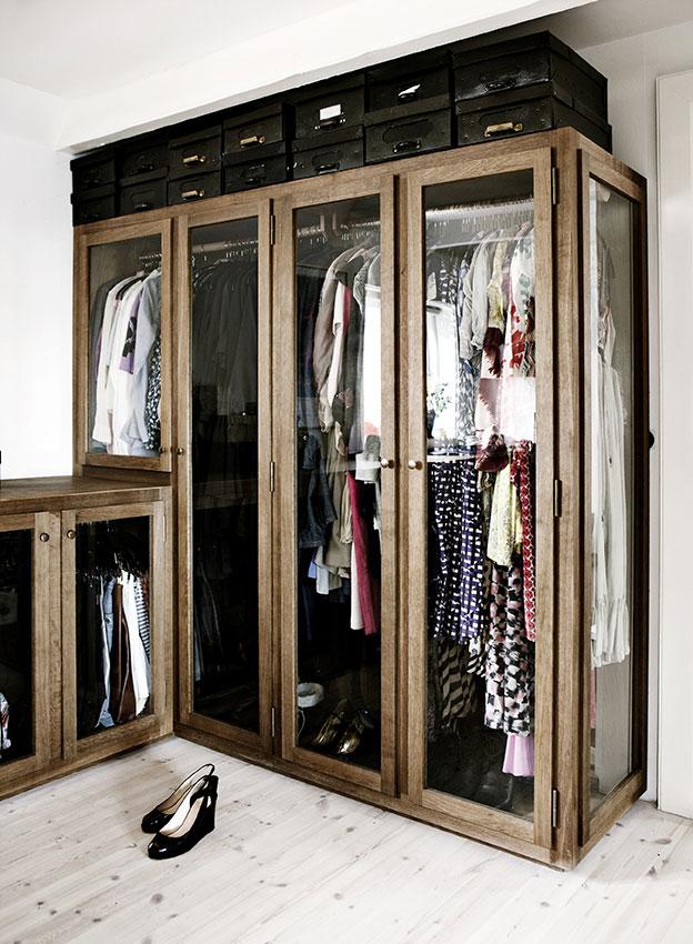 Eikenhouten kledingkasten met glazen deuren