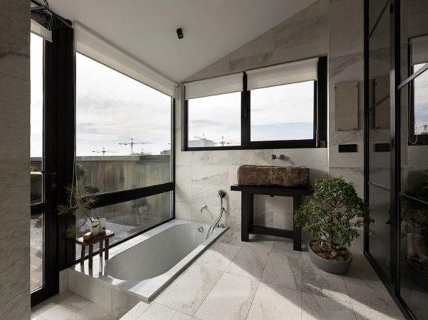 ensuite badkamer buitenbad 2