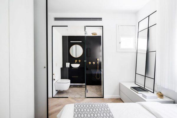 ensuite badkamer zwart-wit
