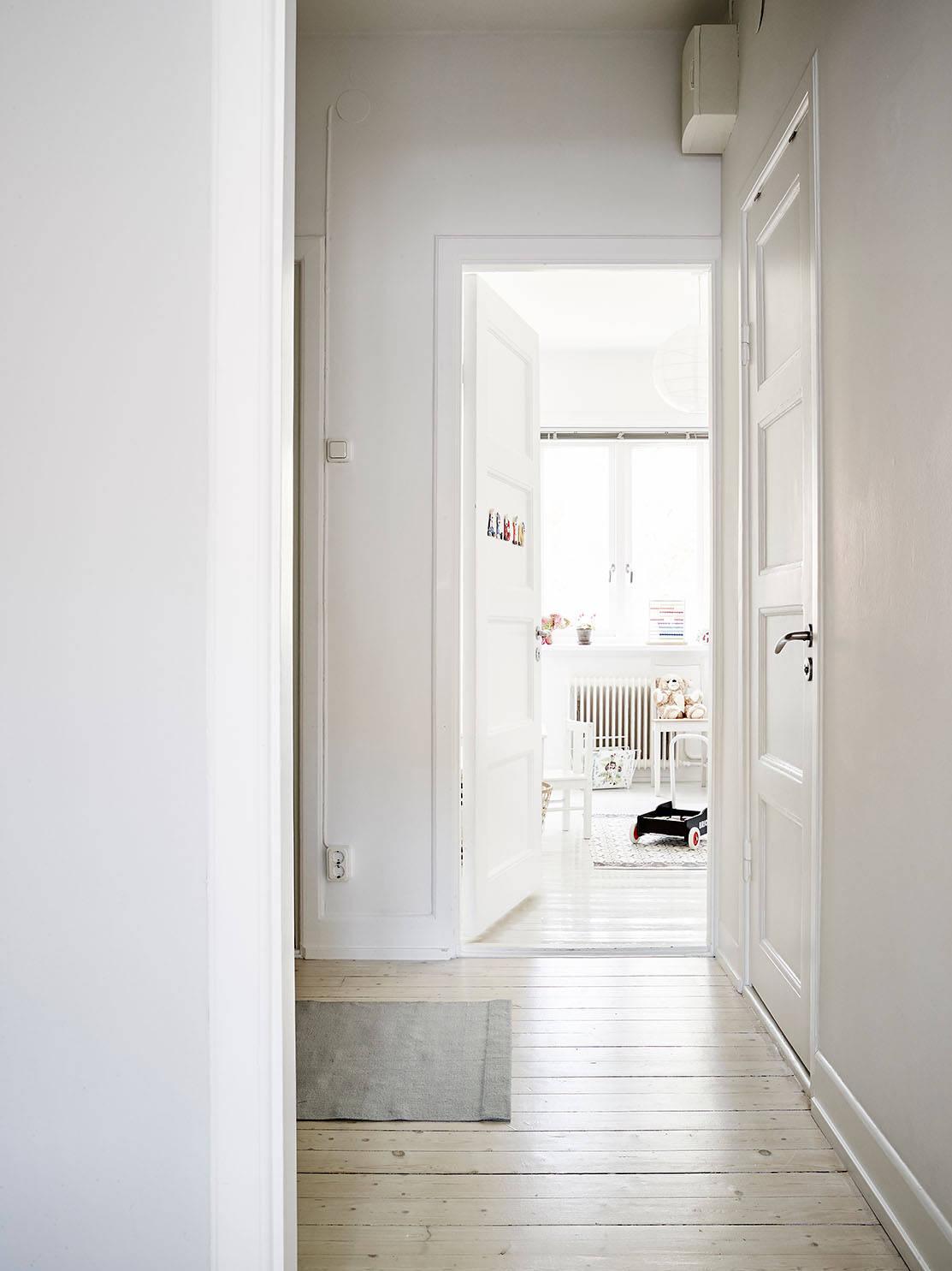 Binnenkijken: licht zweeds huis   thestylebox