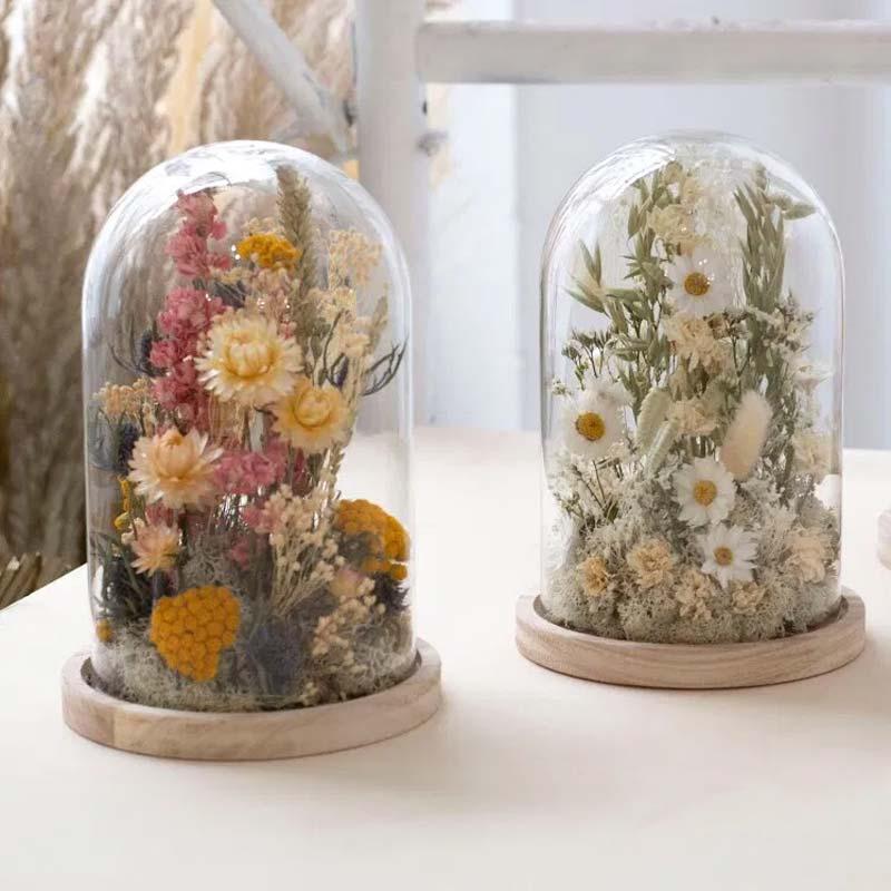 gedroogde bloemen stolp