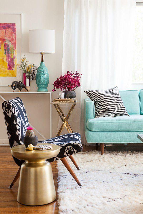 gekleurde bank woonkamer