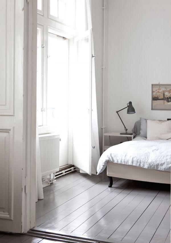 grijs-geschilderde-houten-vloer