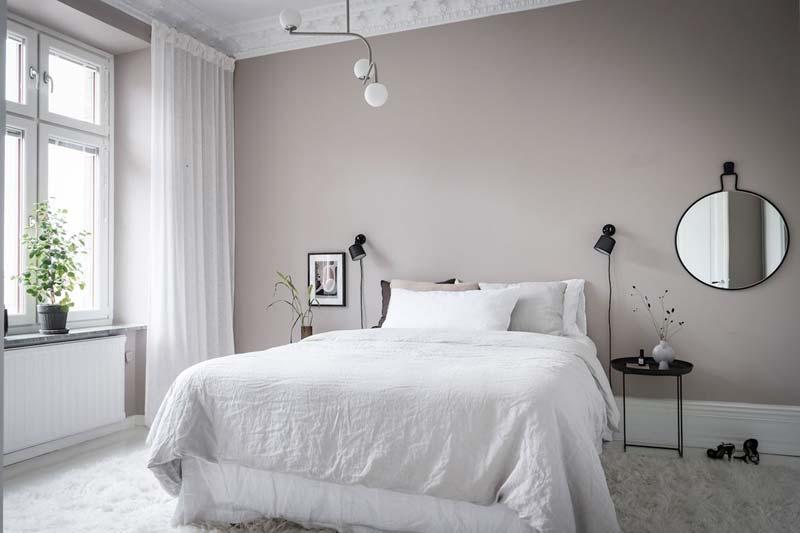 grijsroze muur slaapkamer