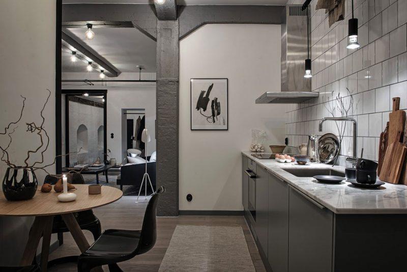 grijze keukenkasten marmeren werkblad