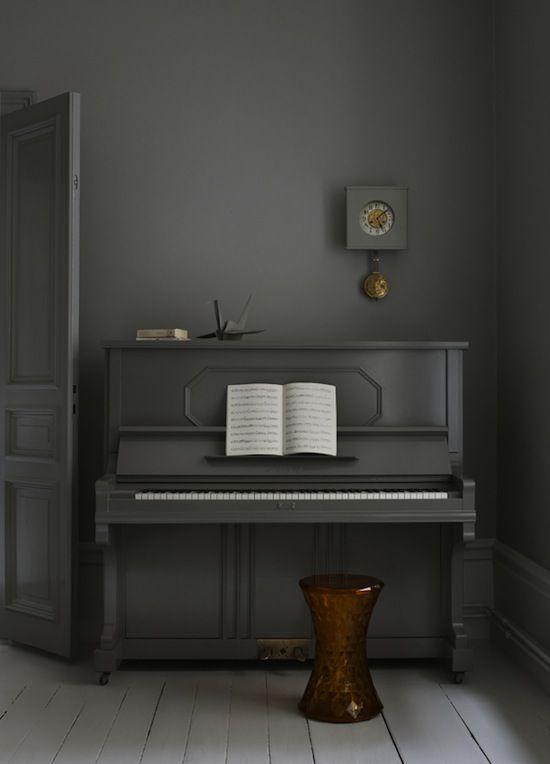 grijze piano