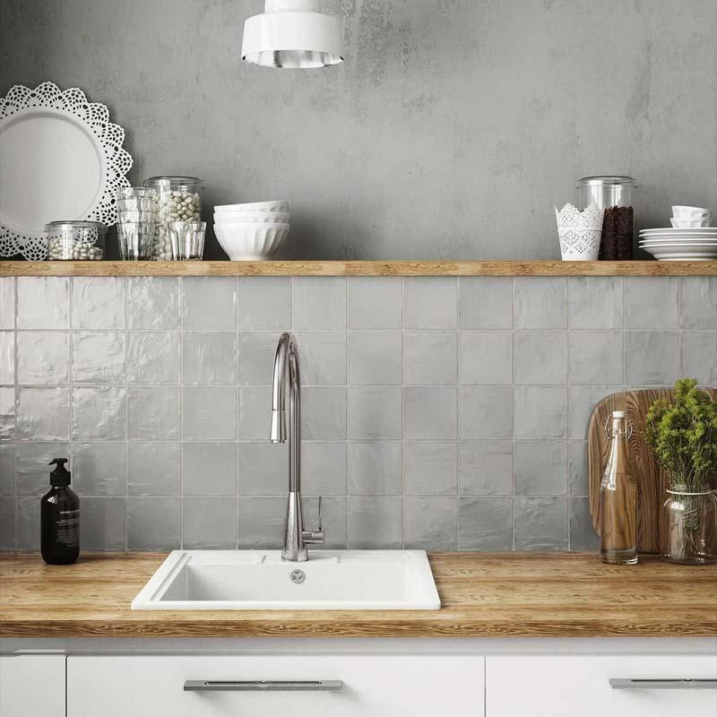grijze tegels keuken achterwand