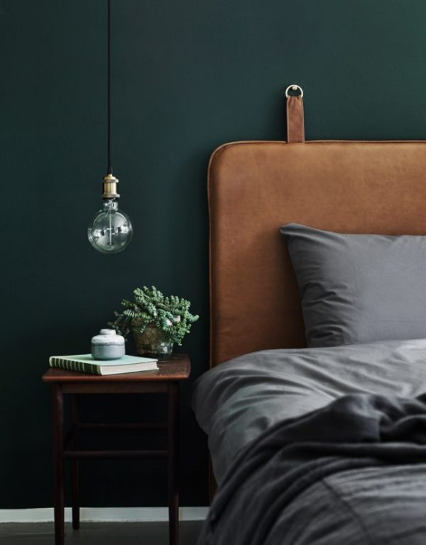 http://www.thestylebox.nl/wp-content/uploads/groene-muur-slaapkamer-600x767.jpg