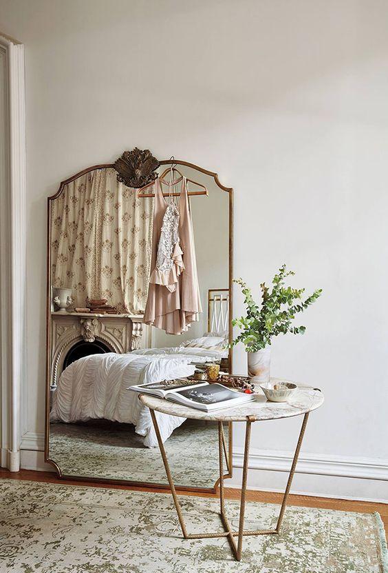 grote gouden spiegel slaapkamer