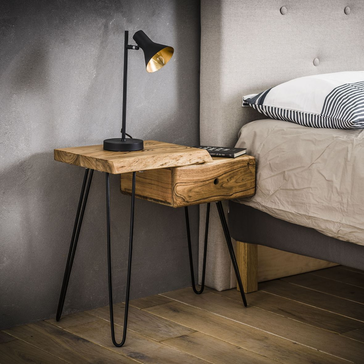 hairpin legs nachtkastje slaapkamer
