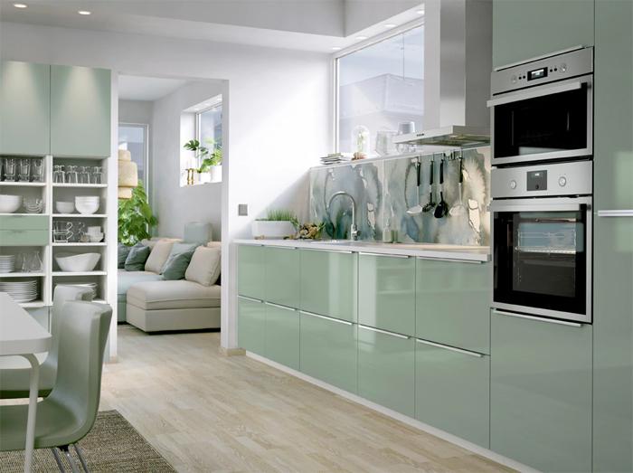 Hoogglans mintgroene IKEA keuken