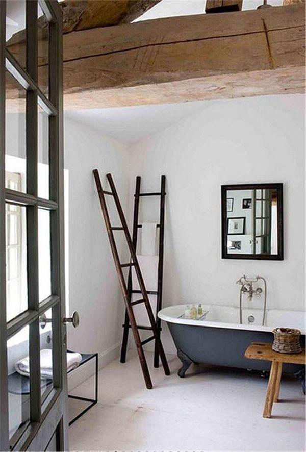 Houten balken in de badkamer - THESTYLEBOX