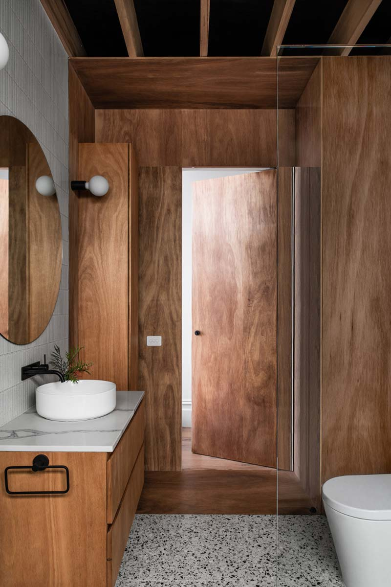 houten bekleding badkamer