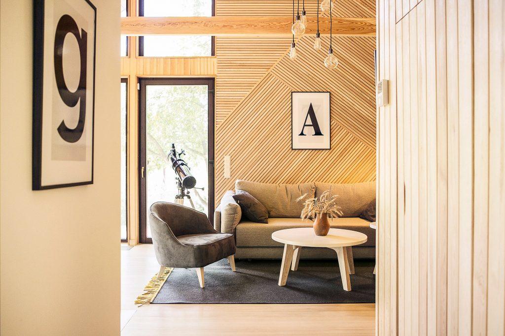 Een scandinavisch houten huisje in minsk thestylebox