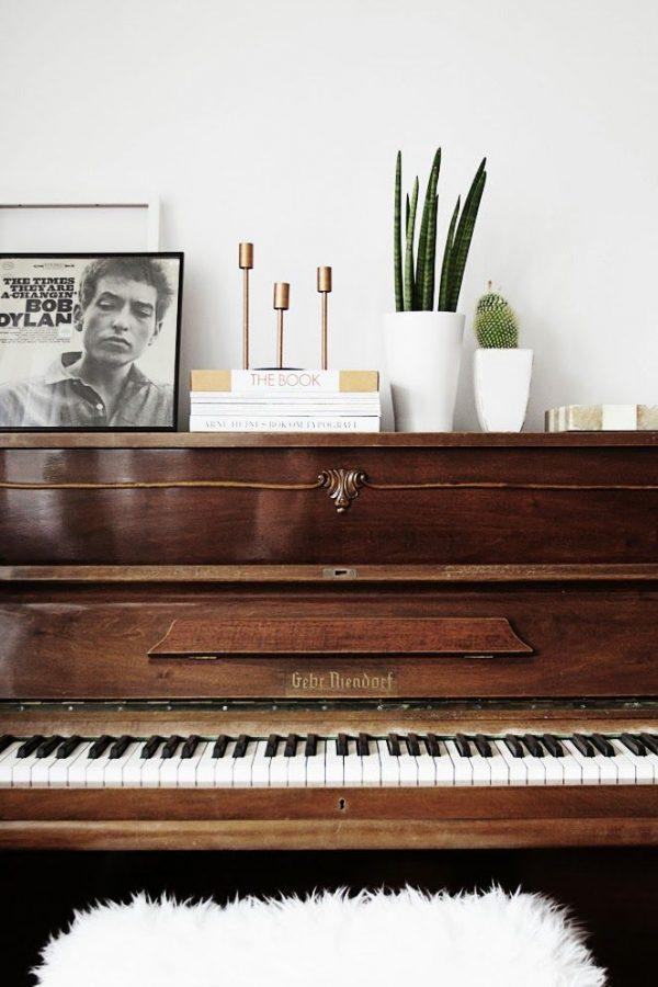 houten piano huis