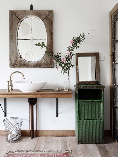 houten spiegel badkamer