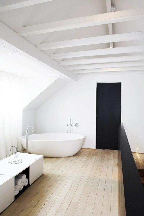 Houten vloer badkamer - THESTYLEBOX