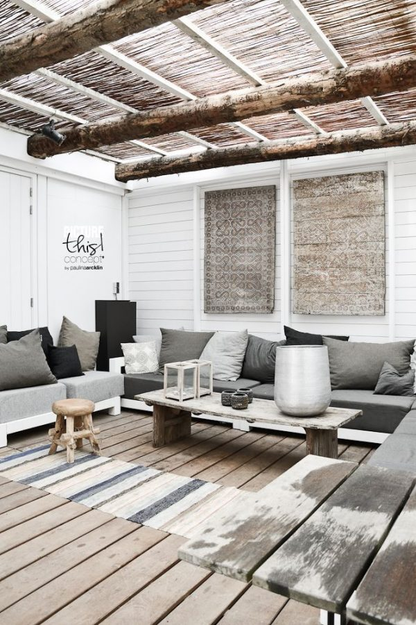 Ibiza sfeer in de tuin thestylebox - Veranda met stenen muur ...