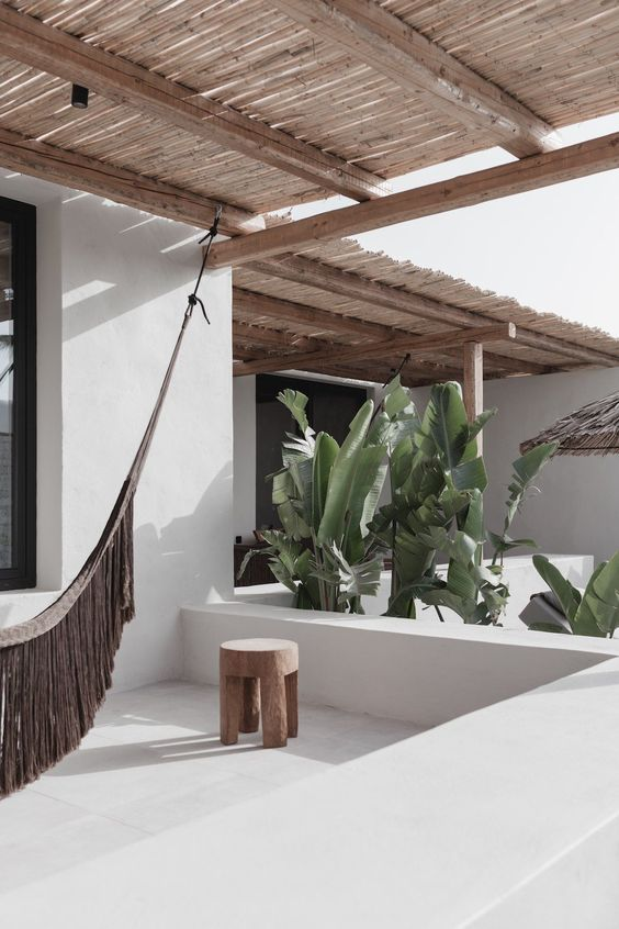Ibiza tuin ideeën planten en bomen