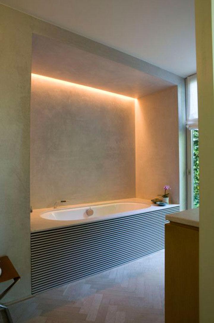 Cre er een uniek interieur met led strips en for Indirecte verlichting toilet