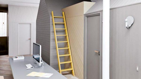 kantoor gele trap