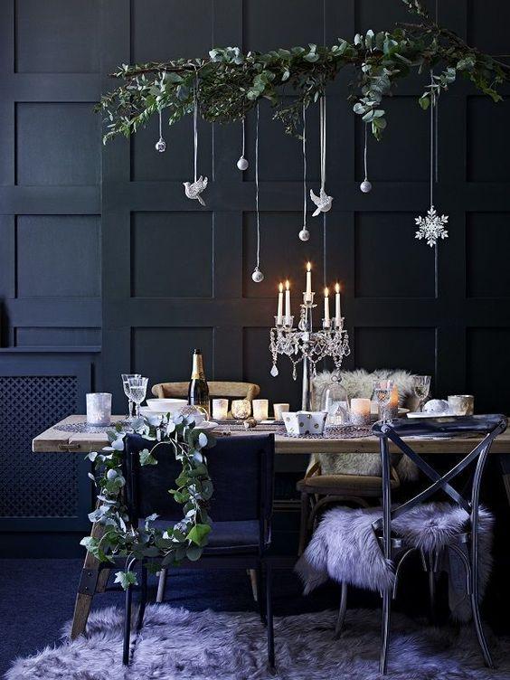 kersttak boven eettafel hangen